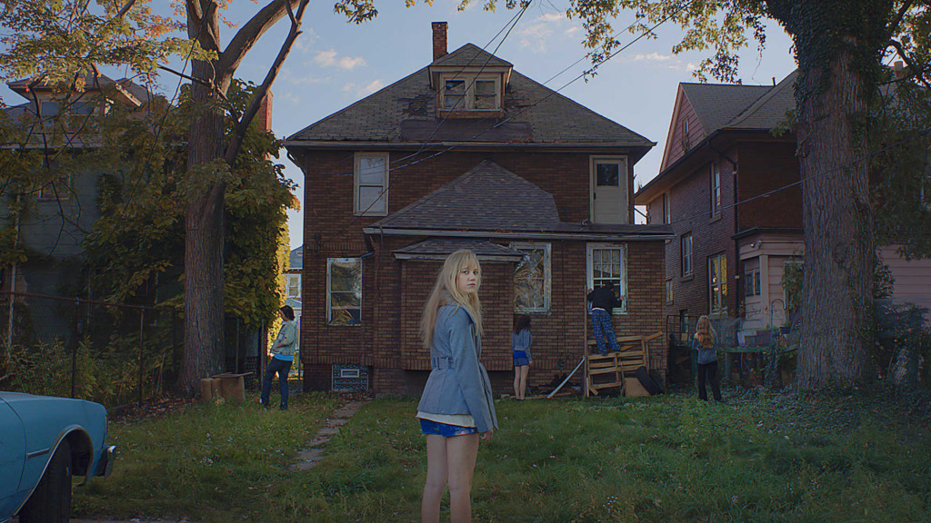 it follows movie, it follows, best horror 2015