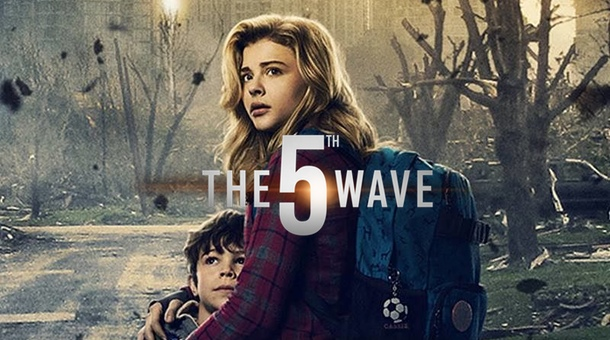 the 5th wave review Another ya movie adaptation, another brave teen girl vs the evil adult world.